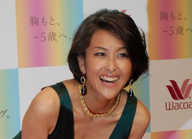 「5時に夢中!」から「卒業」した岡本夏生さん(2010年9月撮影)