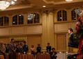 乙武氏誕生会に「やってる場合じゃない」「私ならやらない」の声 出席者だけが「絶賛」する異様な光景
