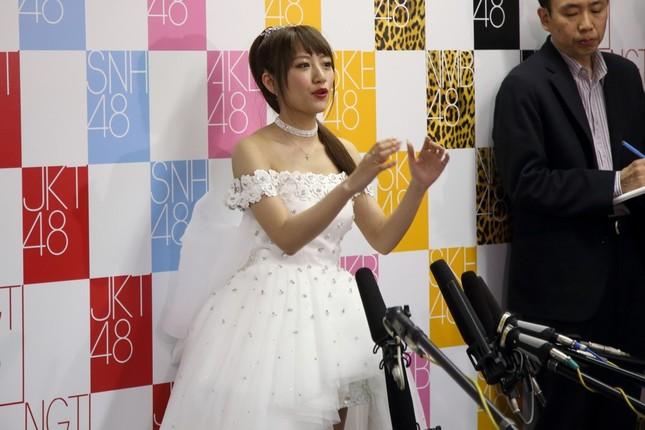 卒業公演後に会見したAKB48の高橋みなみさん。「忙しいことは有り難いこと」と話していた