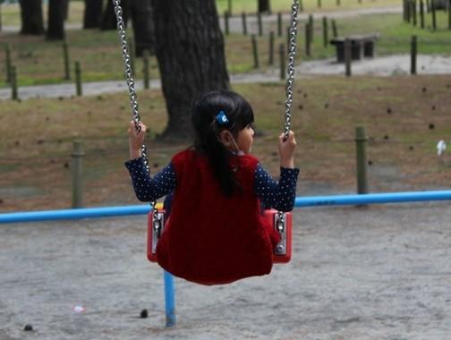 世論を受けて待機児童問題の緊急対策に動いた国会、社説の評価はどうか
