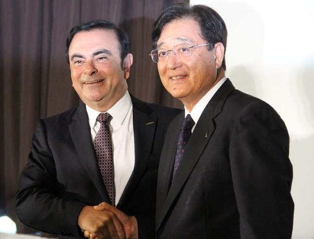 三菱自株、この先どうなる……(2016年5月12日撮影)
