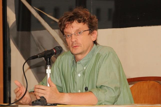 日本インターネット報道協会の講演会で講演したマーティン・ファクラー氏