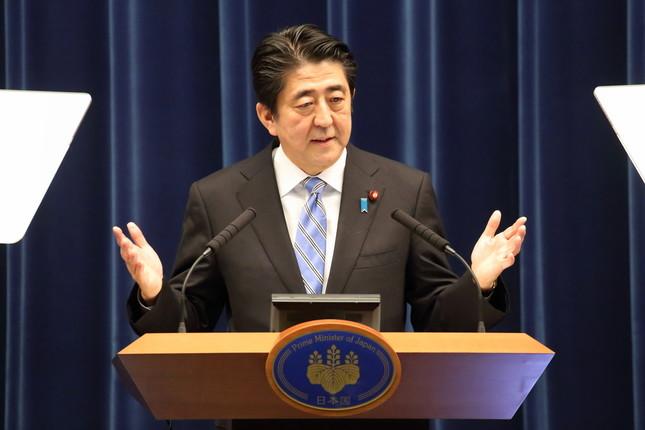 安倍首相は2014年11月の記者会見では「再び延期することはない。ここで皆さんにはっきりとそう断言いたします」と明言していた