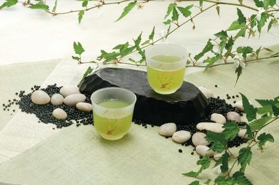 清涼感あふれる水出し緑茶