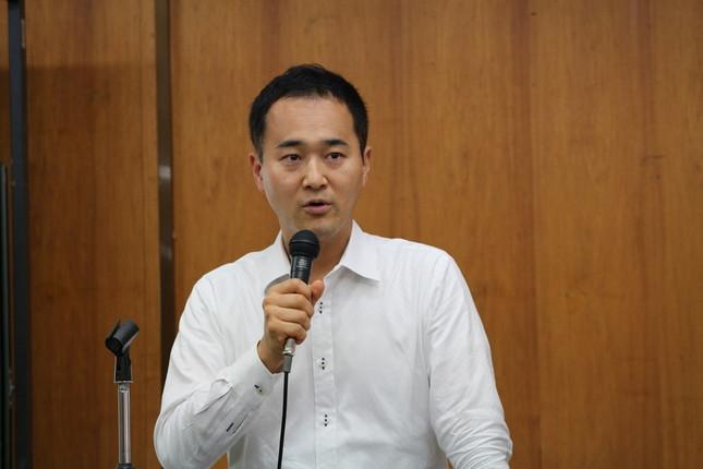 講演する上野晃弁護士(16年6月11日撮影)