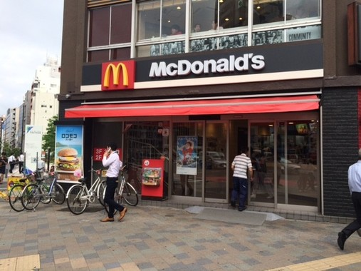 「マクドナルド FREE Wi-Fi」は7月末までに全国1500店舗に導入される(写真は2016年6月撮影)