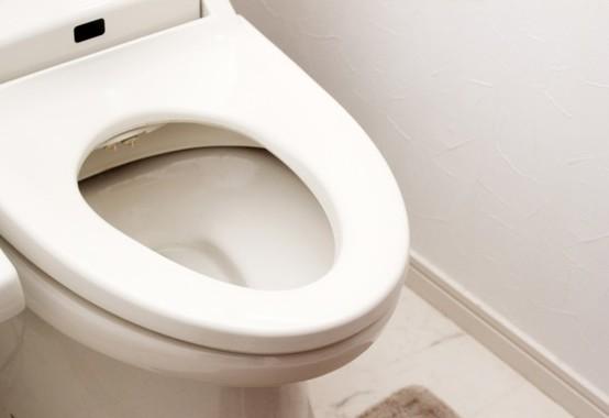 衛生管理徹底のための「排便報告」に批判飛ぶ