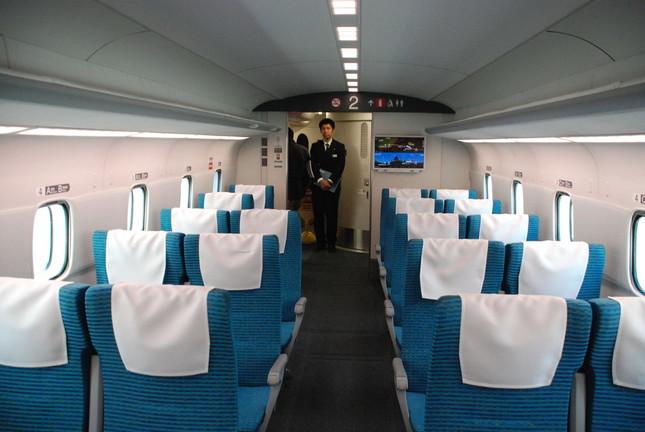 リニア中央新幹線の車内は東海道新幹線の雰囲気と変わらない