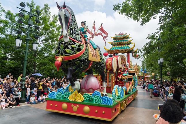 上海ディズニーランドには『ムーラン』のキャラクターが登場する(Imaginechina/アフロ)