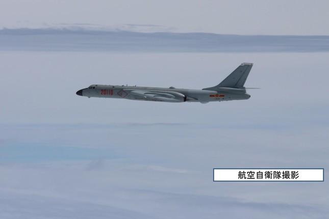 東シナ海での中国機に対する自衛隊機のスクランブル発進が相次いでいる(写真は航空自衛隊が15年5月に撮影)