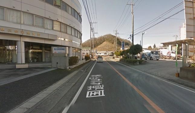 もう少し良い場所はなかったのか……(画像はグーグルマップのストリートビューより。撮影日2015年2月(C)2016 Google)