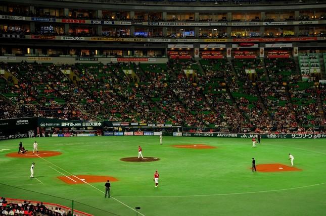 プロ野球公式戦で起きたアクシデントが波紋広げる(画像はイメージ)
