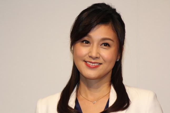 紀香さんはブログで愛犬の死を追悼した(15年8月撮影)