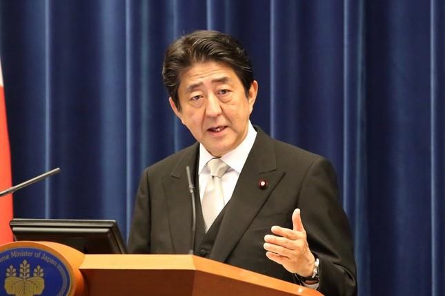 第3次安倍再改造内閣発足後の記者会見に臨む安倍晋三首相