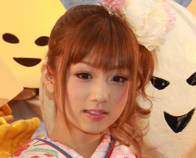 小倉優子さんのコスチューム