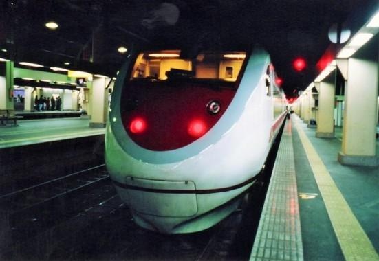 JR西日本の「サンダーバード」は「雷鳥」を「直訳」して名づけられた