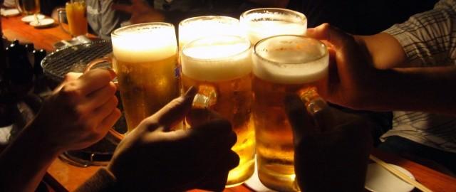 飲酒は適量が大原則(画像はイメージ)