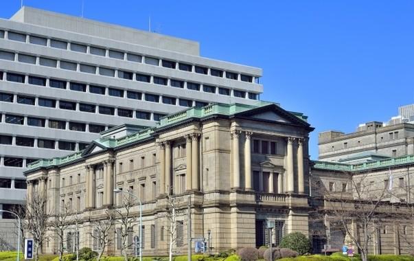 日銀と内閣府の試算に食い違いが…