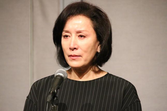 息子の逮捕を受け、謝罪会見を開いた高畑淳子さん(写真は2016年8月26日撮影)