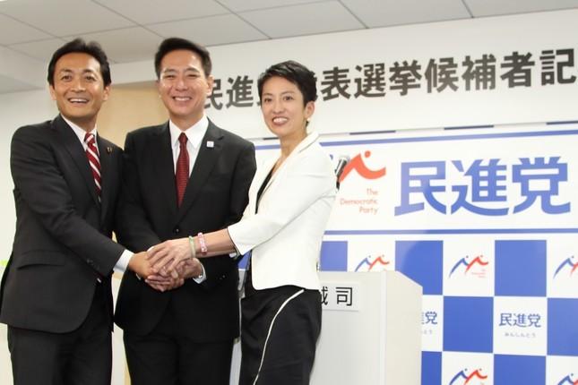 民進党の代表戦は三つどもえの戦いになった。左から玉木雄一郎国対副委員長(47)、前原誠司元外相(54)、蓮舫代表代行(48)