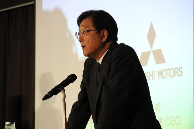 三菱自動車の益子修会長(写真は2016年5月の会見)