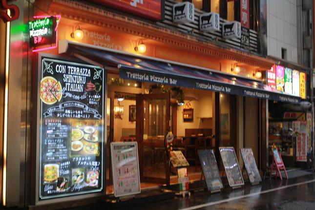 歌舞伎町にある「コン・テラッツァ新宿」の店