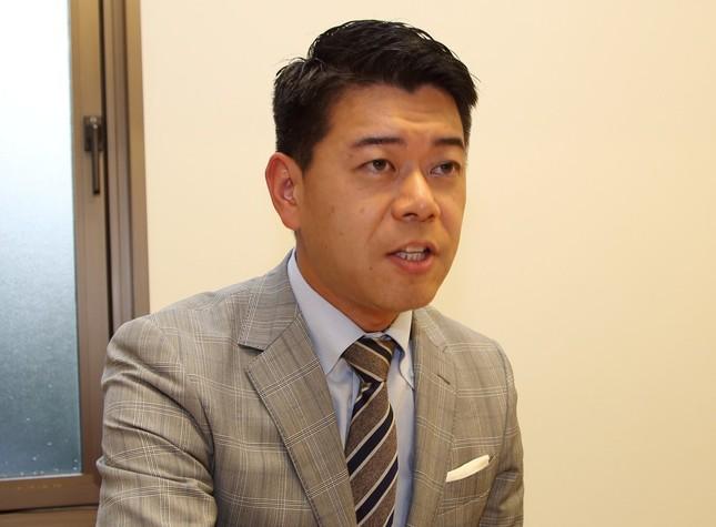「人工透析ブログ」について語る長谷川豊さん(2016年9月24日撮影)