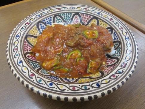 「ミドリガメ」の脚の付け根の肉を具材にしたレトルトカレー(「世界のごちそう博物館」提供)
