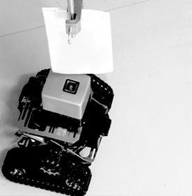 センサーを搭載した救助ロボット(東京大学生産技術研究所の発表資料より)