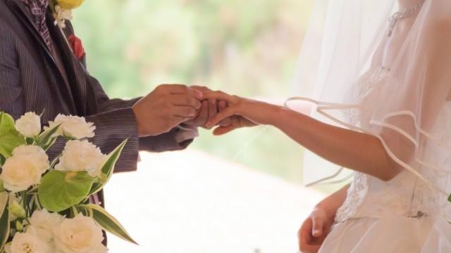 若者の結婚支援のため、国や自治体が「おせっかいさん」を育成している…