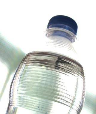 WHOが、糖分入りの清涼飲料水を対象に20%課税を呼びかけ…