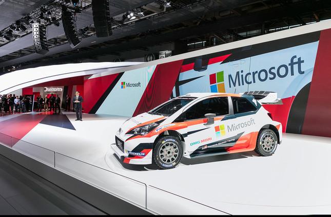 トヨタがパリで発表したヤリスWRC。ボディーにマイクロソフトのロゴが踊る=トヨタ提供。