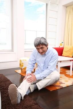 40歳以上の6割に膝の痛み