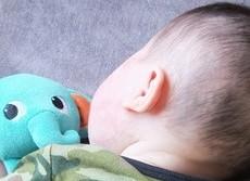 赤ちゃんの突然死を防ぐには 米学会が推奨する14の注意