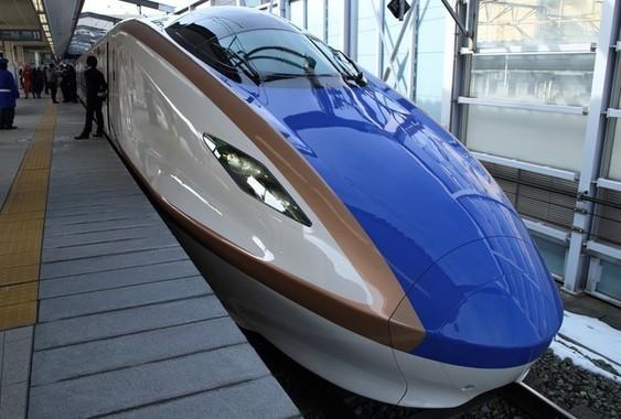 北陸新幹線の延伸ルートはどうなるか(写真は2015年2月撮影)