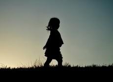 自閉症の子は先入観にとらわれない 「悪い子」の「良い行動」をどう判断