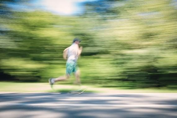 屋外で運動すると近視が防げる?