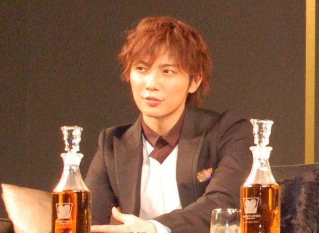 成宮さん本人と所属事務所は報道に「事実無根」とコメント(2009年12月撮影)