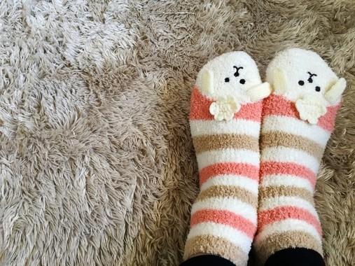 冷え性の女性の足は重装備