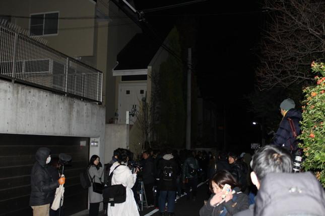 「逮捕へ」と報じられた直後のASKA邸周辺(2016年11月28日、J-CASTニュース撮影)