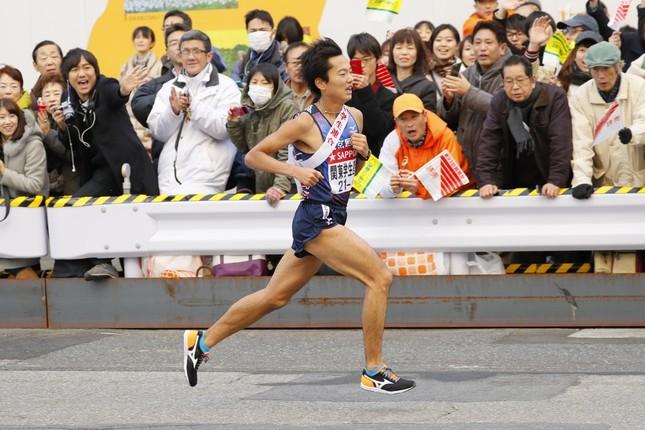 10区で「幻の区間賞」を出した東京国際大学の照井明人選手(4年)。ネット上では称賛の声が相次いだ(写真:長田洋平/アフロスポーツ)