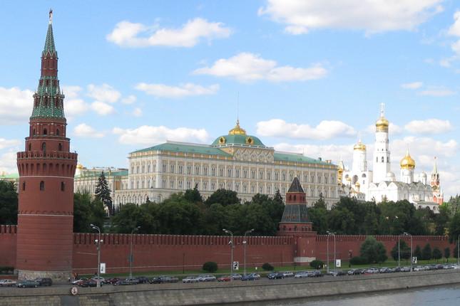 「クレムリン」は、ロシア政府の別名としても用いられる