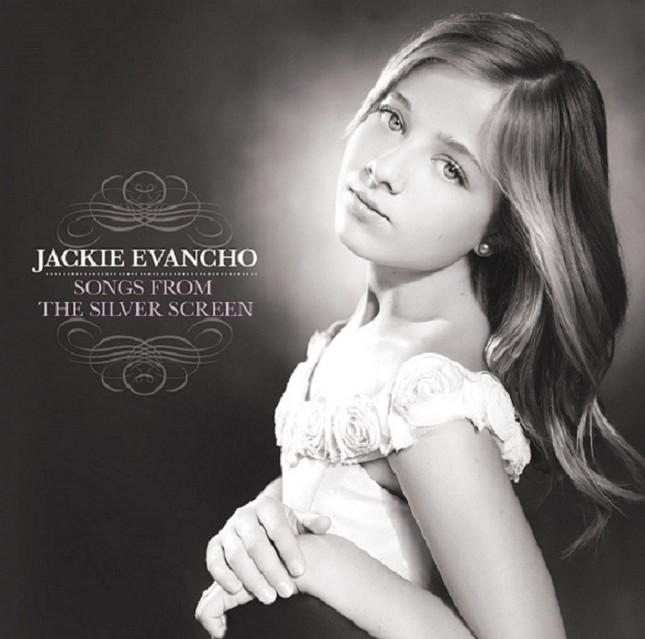 16歳、ジャッキー・エヴァンコさんが国歌斉唱の「大役」(写真は、アルバム「SONGS~ 銀幕を彩る名曲たち」発売元:ソニー・ミュージックジャパンインターナショナル)