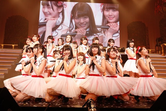 初のオリジナル曲「Maxとき315号」が1位に輝いたNGT48のメンバー (c)AKS