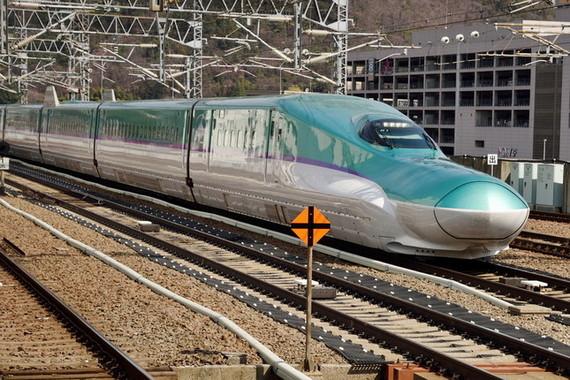 北海道で、列車が走る姿は見られなくなるのか・・・(写真は、北海道新幹線)