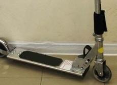 車輪付き乗り物で子どもの事故多発 キックスケーターでは死亡例も