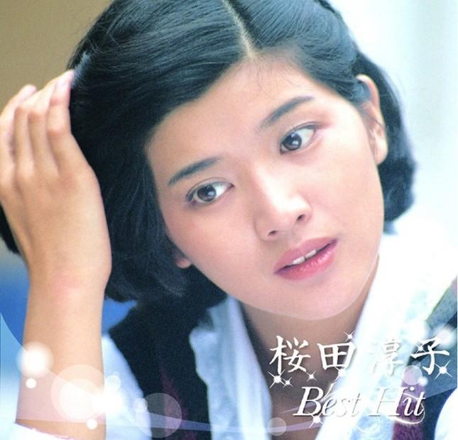 桜田さんは近年でもベスト盤が多く発売されている(写真は2015年発売の「桜田淳子 ベスト ヒット」)