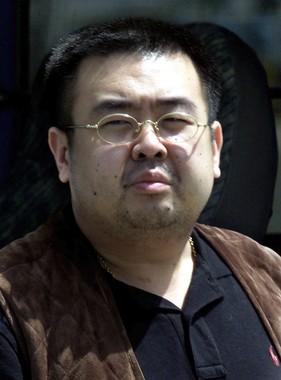 「暗殺」が伝えられた金正男氏(写真:AP/アフロ、2001年5月4日撮影)