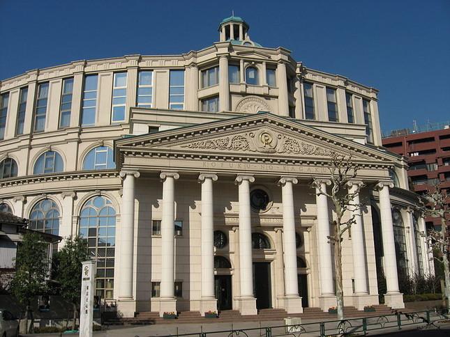幸福の科学の中心施設の1つ「東京正心館」(画像はwikimedia commonsより)