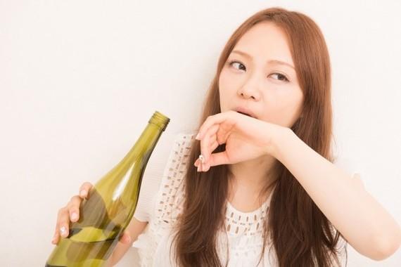 お酒の「赤面女子」は骨折に気をつけて